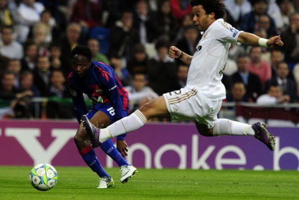 Eran pocas las osaciones que el Madrid tuvo que emplearse en defensa. Tr...