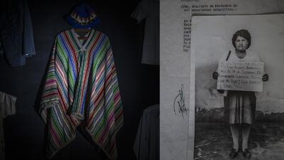 Los trajes de los desaparecidos o fallecidos a causa de la violencia pol...