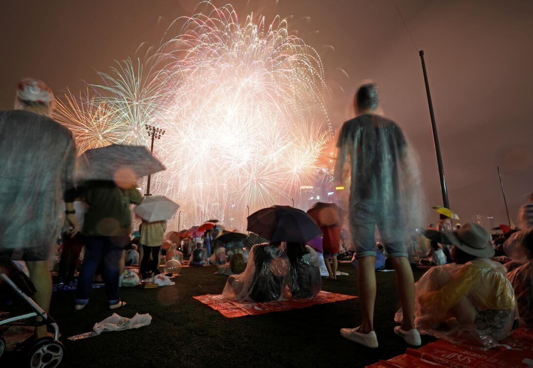 La Marina Bay de Singapur estuvo repleta de personas que acudieron a ver...