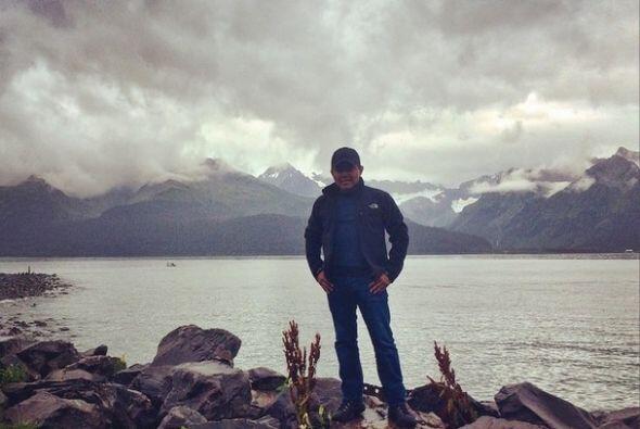 Conociendo y disfrutando de maravillosos paisajes, Raul Brindis celebró...