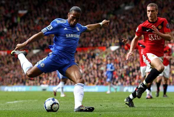 Didier Drogba hizo el 2-0 a favor del Chelsea con este disparo.