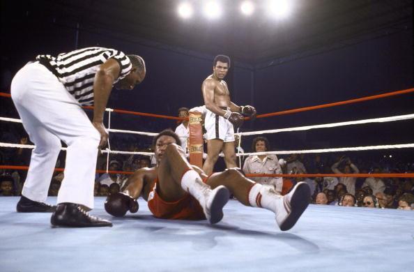"""""""The Rumble in the Jungle"""". Ali se medía ante el campeón invicto George..."""