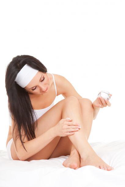 Exfolia tu piel la noche anterior. Deshazte de las células muertas de la...