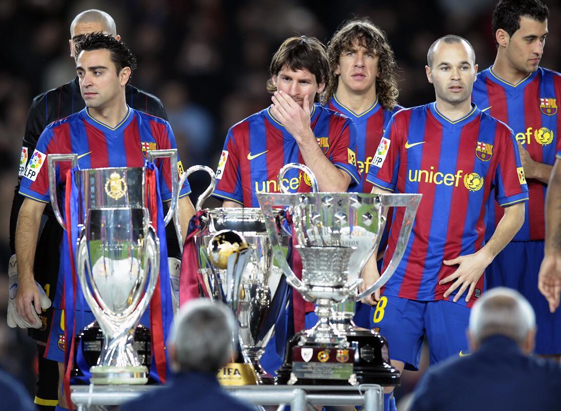 Al final de esta temporada 2008/2009 el Barcelona de Iniesta lo ganó tod...
