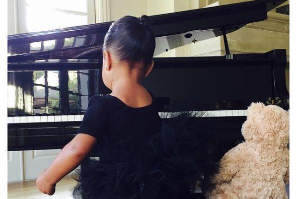 La hija de Kim Kardashian y Kanye West no sólo quiere practicar ballet...