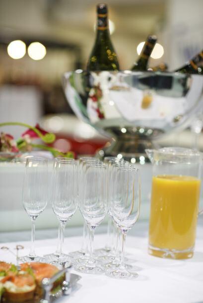 En cuando al menú, el champán y el vino nunca pasarán de moda pero tambi...