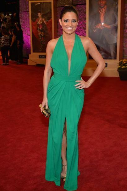 El verde estuvo muy de moda en la alfombra de Premio Lo Nuestro 2013. Aq...