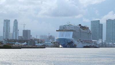 Exiliados cubanos protestan en el Puerto de Miami contra los cruceros que van a la isla