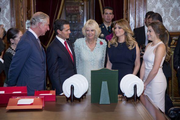 El presidente de México, Enrique Peña Nieto y la primera dama, Angélica...