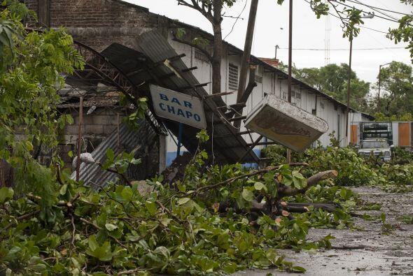 En el puerto, en la comunidad de Boca del Río, el desborde de los ríos a...