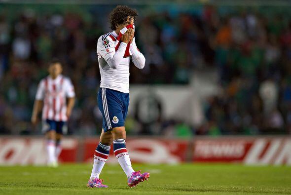 Tras la primera jornada el Clausura 2015, las Chivas perdieron 2-1 ante...