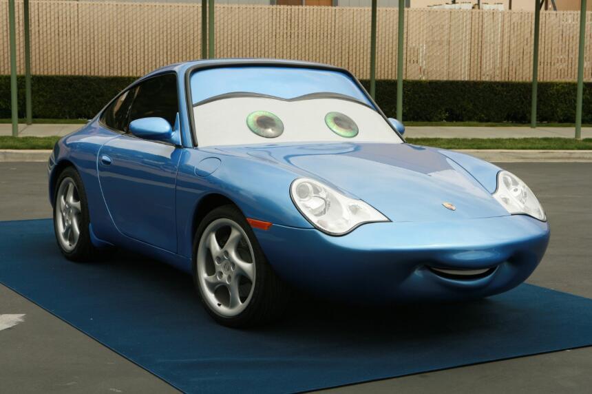 El amor persiste en Cars 3, por lo tanto Sally Carrera continúa en la pe...