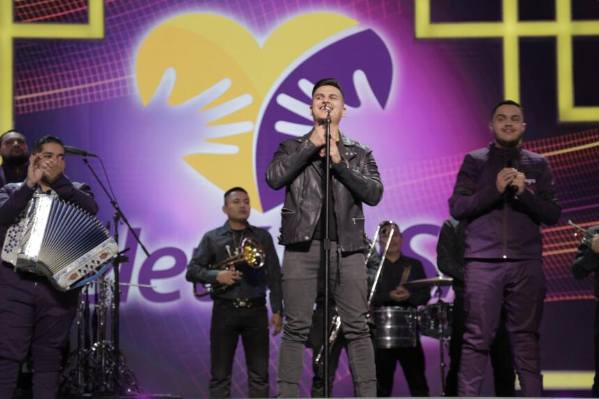 Regulo Caro llega con sus canciones a Nuestra Causa en TeletónUSA.