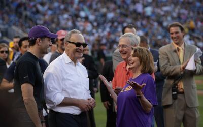 Los líderes del Congreso runidos minutos antes del juego de b&eac...