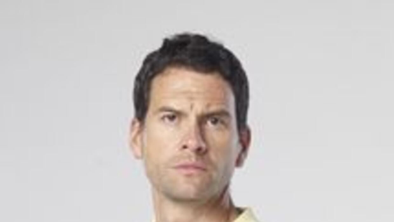 Conoce a Vicente Domínguez de Alba, personaje interpretado por Miguel de...