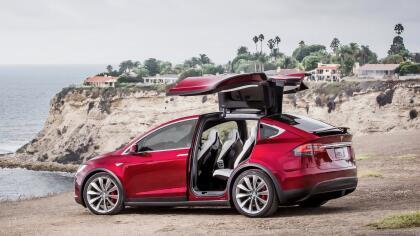 """<h3 class=""""cms-h3-H3"""">2. Tesla Model X</h3><br/>Los dueños de esta SUV, el único vehículo eléctrico del ranking, reportaron problemas en los sistemas electrónicos del vehículo y en los mecanismos de la carrocería, así como inconvenientes relacionados a ruidos y fugas."""