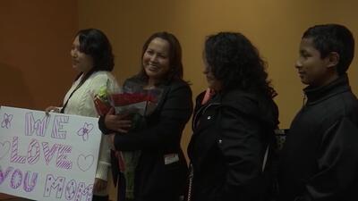 El regalo navideño de esta familia mexicana: reunirse con su madre deportada