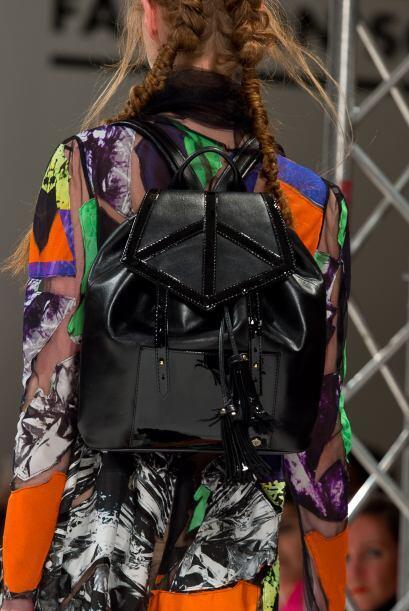 Ideal para las chicas que necesitan llevar muchas cosas en su bolso, per...
