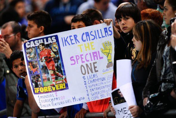 Los aficionados del Real Madrid volvieron a mostrar su solaridad con Cas...
