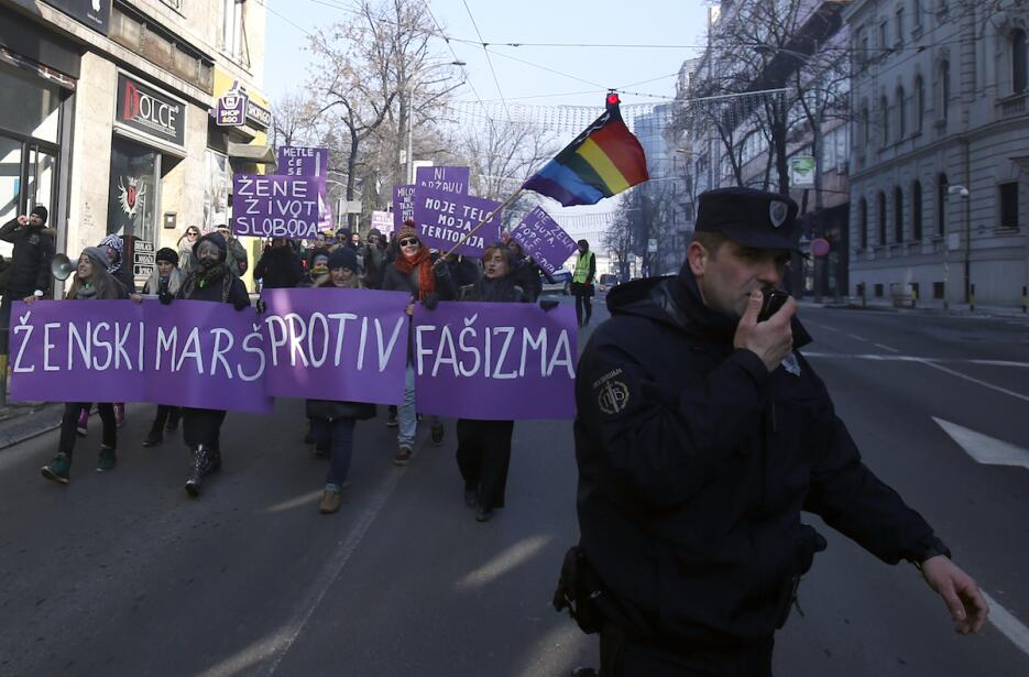 Marcha de las mujeres en Belgrado, Serbia