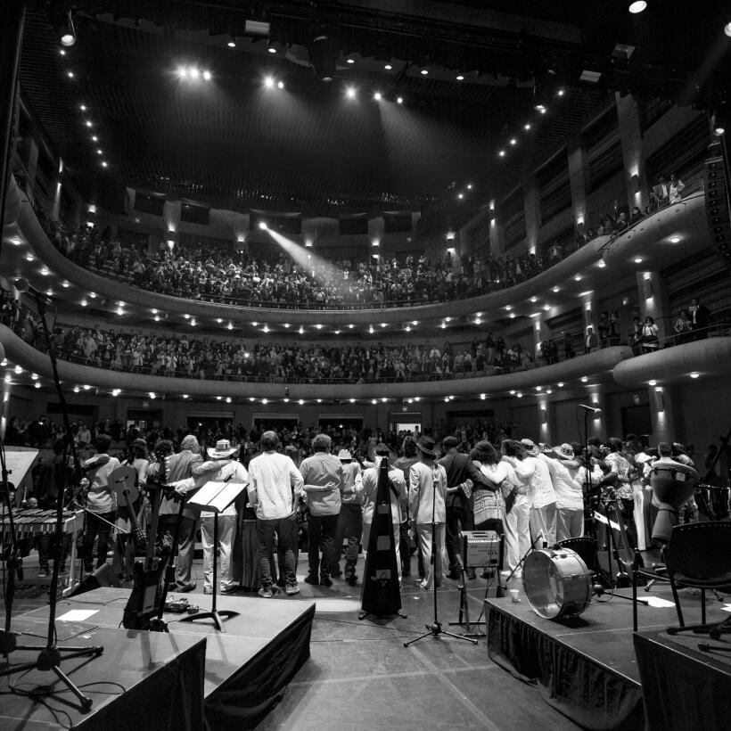 Así se vivió la previa del concierto Caminos de ida y vuelta CIERRE_Juan...