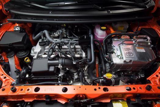 Toyota Prius C 2015- La motorización está a cargo del sistema Hybrid Syn...