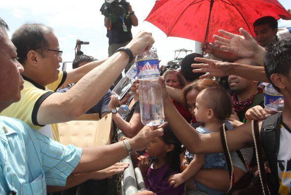 La ciudad de Tacloban, hasta la fecha la más afectada del país, en la pr...