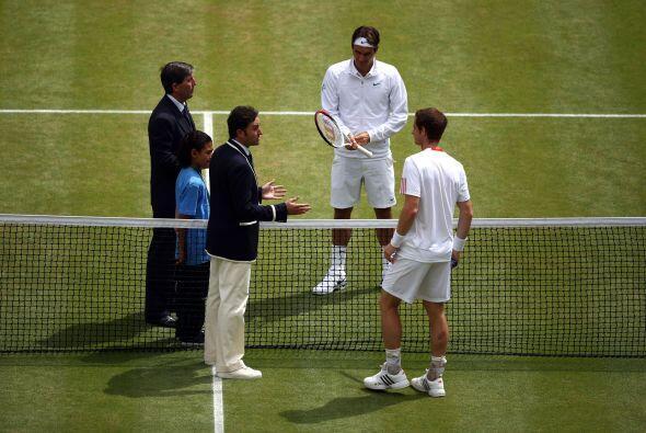 Como el protocolo lo indica, los jugadores deben vestir en color blanco.