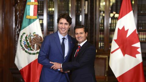 El primer ministro canadiense Justin Trudeau y el presidente mexicano En...