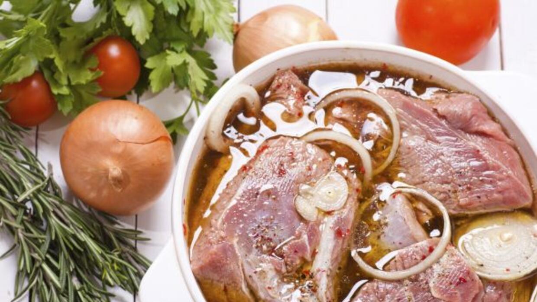 Un buen adobo puede hacer maravillas con cualquier trozo de carne.