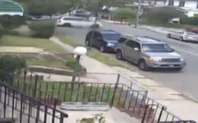 'Nueva York en un Minuto': conductor escapa después de atropellar a una...