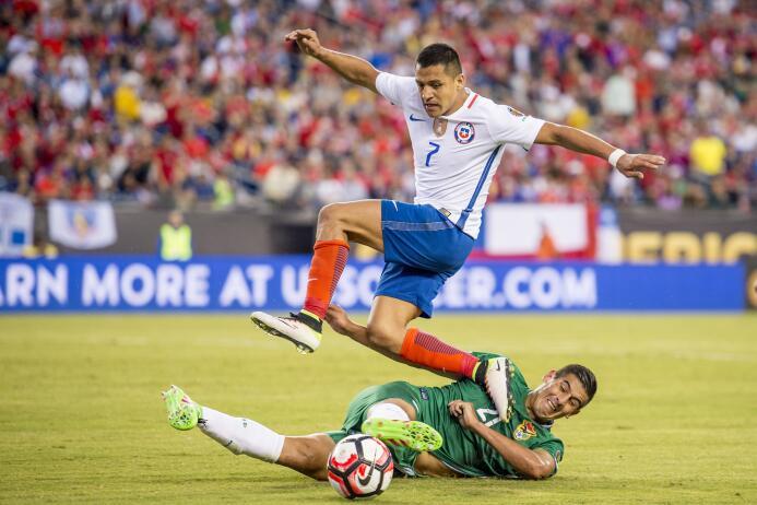 El ranking de los jugadores de Chile vs Bolivia 24-GettyImages-539319038...