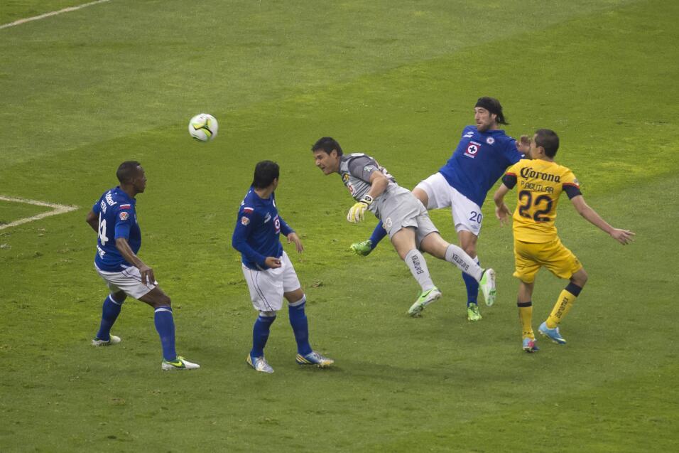 Cruz Azul regresa al Estadio Azteca 2.jpg