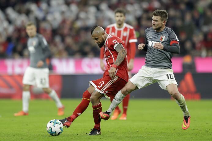 Bayern Munich sigue con paso firme como líder de la Bundesliga con doble...