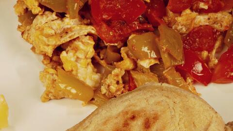 Huevos perico al estilo venezolano
