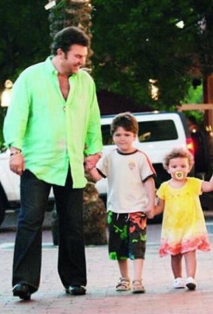 Manuel Mijares y sus hijos