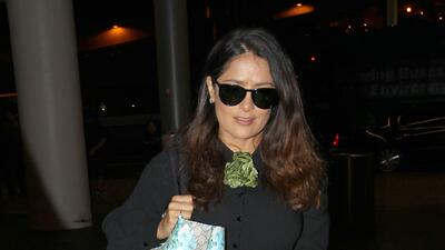 Salma Hayek es recibida por su esposo con besos y abrazos