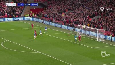¡Grande Ospina! Doble atajada a Salah para salvar al Napoli
