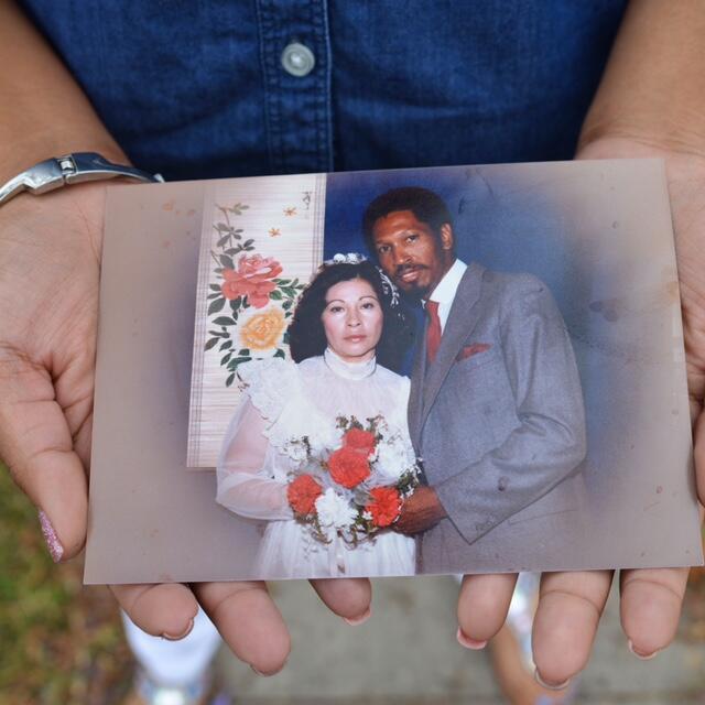 De 4.6 millones de hispanos en Los Ángeles, solo 42,000 marcaron que su...