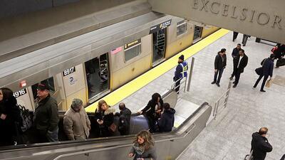 La línea de la Segunda Avenida, en Nueva York, se inauguró a principios...