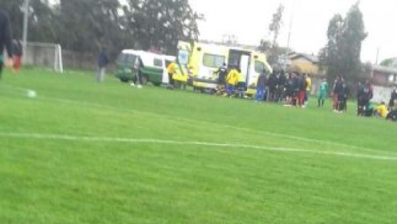 Carlos Barra, jugador chileno de 24 años, falleció en pleno partido de f...