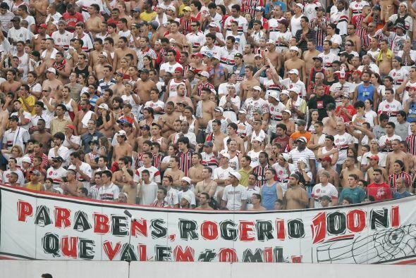 La afición del Sao Paulo fue en masa a ver el partido ante Corinthians y...