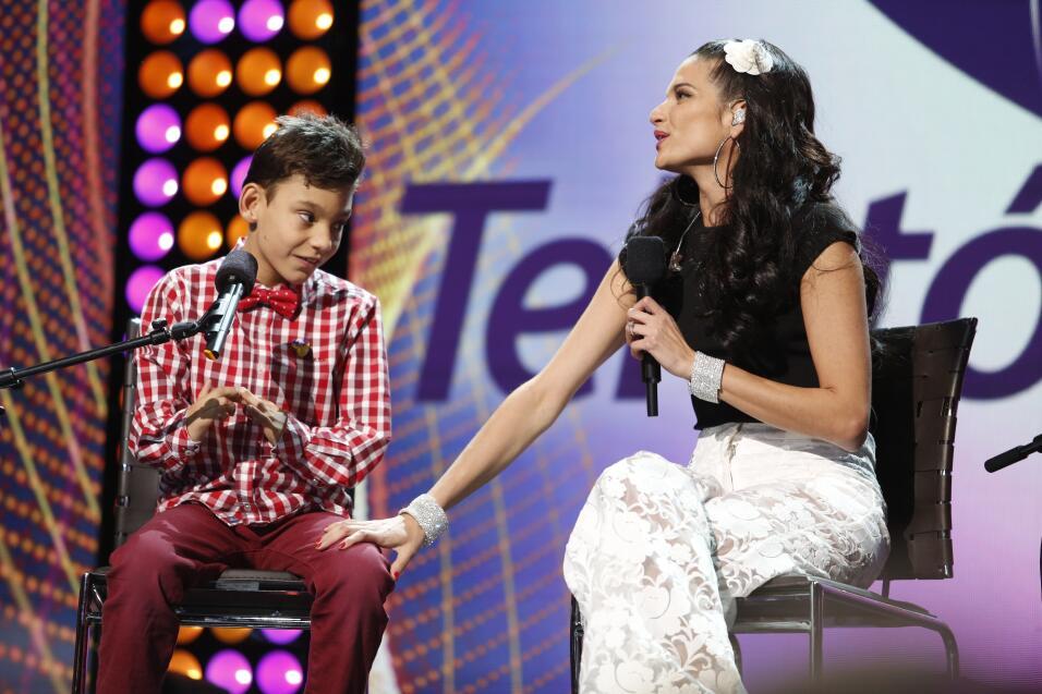 ¡Que Bonito! Adrian y Natalia unieron sus voces en perfecto armon&...