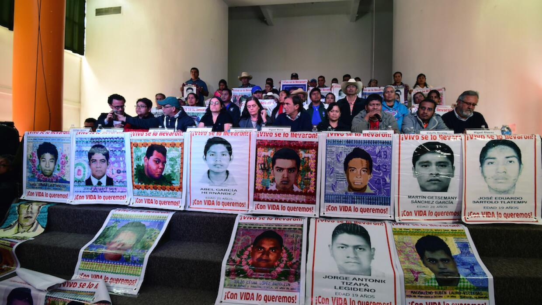 Padres de los 43 desaparecidos de Ayotzinapa