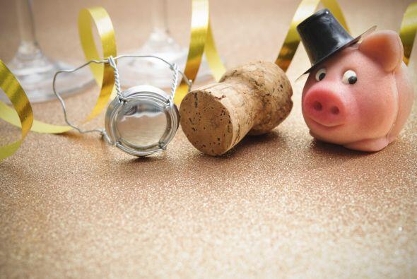 Hay infinidad de tradiciones para recibir el Año Nuevo pero entre...
