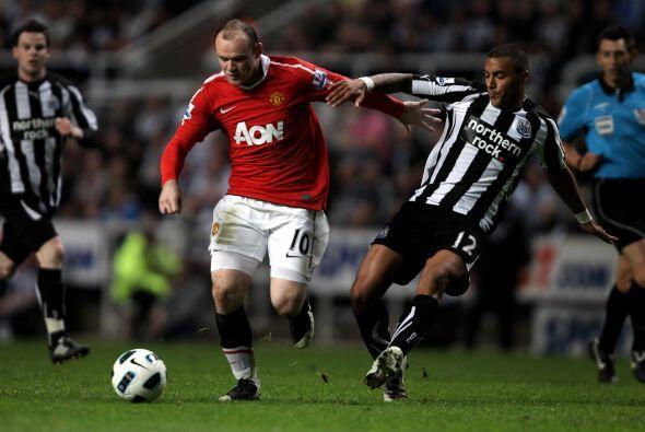 Pero cada ocasión del United era nulificada por los 'Magpies', o por la...