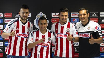 Las Chivas presentaron a sus cuatro refuerzos 20150620_5307.jpg
