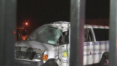 Choque de un auto contra un bus de New Jersey Transit deja a varias personas lesionadas