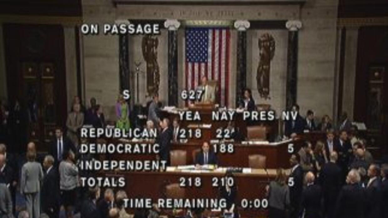 Con 218 votos a favor, y 210 en contra, la Cámara de Representantes apro...