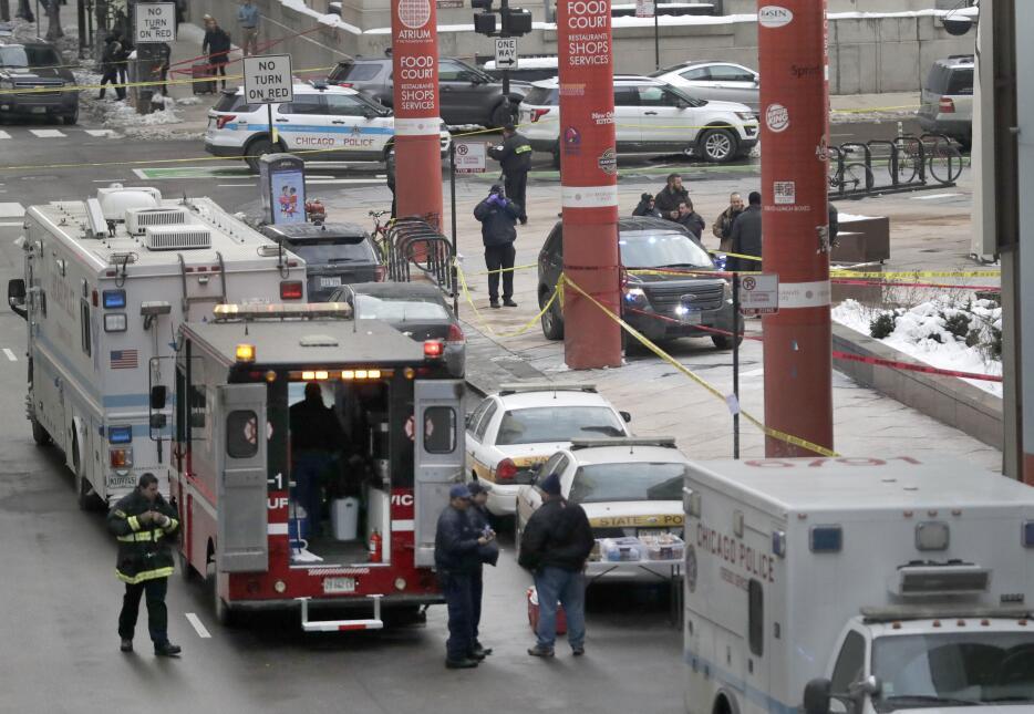 Comandante de policía de Chicago muere en un tiroteo cerca del Thompson...